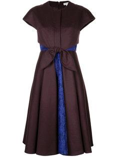 расклешенное платье с кружевной отделкой  Delpozo