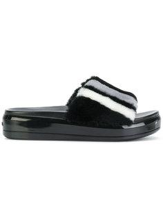 сандалии из овчины  Prada