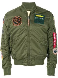 куртка-бомбер с нашивками Alpha Industries
