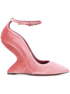 туфли на стилизованной каблуке Salvatore Ferragamo