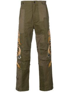 брюки с вышивкой тигров Maharishi