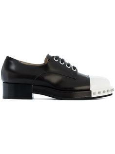 туфли с контрастной панелью и шнуровкой Nº21