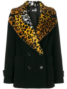 пальто с леопардовым узором на лацканах  Love Moschino