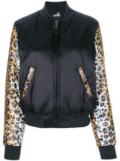 куртка-бомбер с гепардовым принтом  Love Moschino