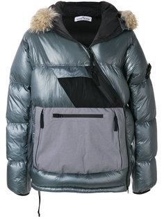 пуховая куртка с контрастными панелями Stone Island