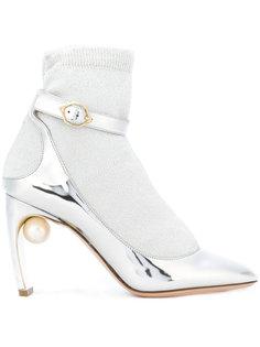 туфли-лодочки Lola с носочной вставкой и жемчугом Nicholas Kirkwood