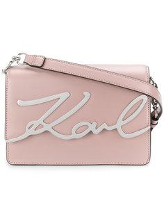 фирменная сумка через плечо с металлической бляшкой Karl Lagerfeld