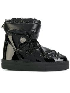 зимние дутые ботинки Moncler