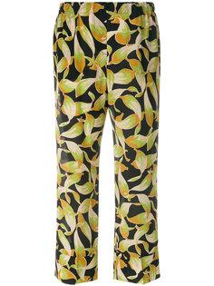 укороченные брюки  с принтом листьев  Nº21