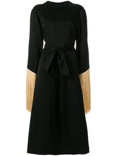 платье с широкими рукавами и кисточками  Ellery
