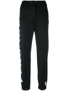 брюки с принтом логотипа Versace