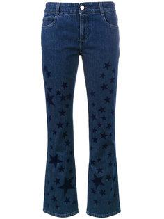 расклешенные джинсы с принтом со звездами Stella McCartney