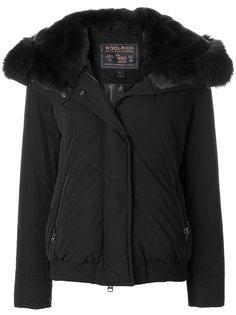 классическая куртка-пуховик с капюшоном Woolrich