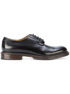 классические туфли Doucals