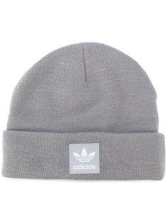 шапка с логотипом Adidas