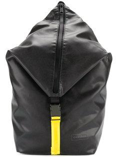 рюкзак на молнии Eastpak