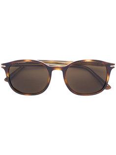 солнцезащитные очки в закругленной оправе с эффектом черепашьего панциря Persol
