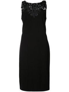 приталенное платье с вышивкой Natori