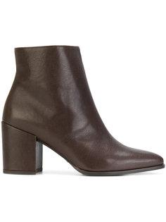 ботинки на среднем каблуке Stuart Weitzman
