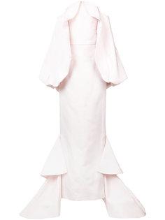 длинное платье со шлейфом и открытыми плечами Christian Siriano
