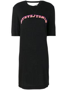 платье-футболка с принтом логотипа Sjyp