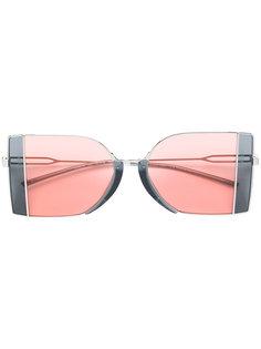 двухцветные солнцезащитные очки Calvin Klein