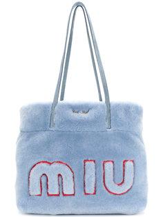 меховая сумка-тоут с логотипом Miu Miu