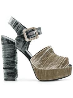 босоножки с ремешком и открытым носком Deimille