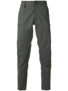 зауженные брюки Nike
