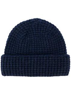 классическая шапка Howlin