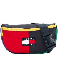 сумка на пояс в стиле 90-х Tommy Jeans