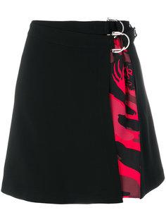 короткая юбка с запахом и камуфляжной деталью Versace Jeans