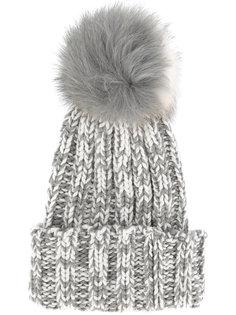 шапка-бини с помпоном из лисьего меха Inverni
