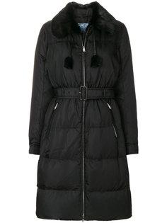 пальто-пуховик со сборками на талии Prada