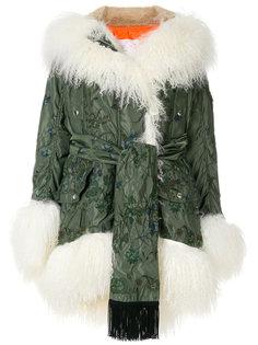 пальто с поясом и вышивкой Sacai