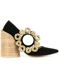 декорированные туфли с заостренным носком Jacquemus