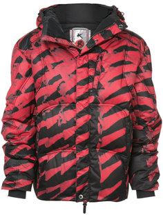 стеганое пальто с полосатым принтом Kru