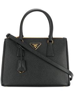 маленькая сумка-тоут Galleria Prada