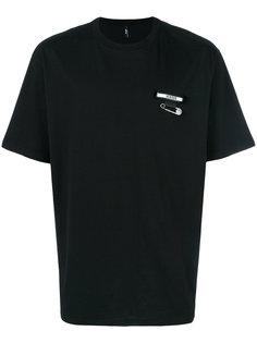 футболка с булавкой и логотипом Versus