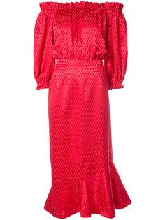 платье с заниженной линией плеч Saloni