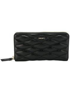 стеганый кошелек в полоску  DKNY