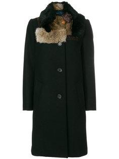 пальто с воротником из меха Kolor