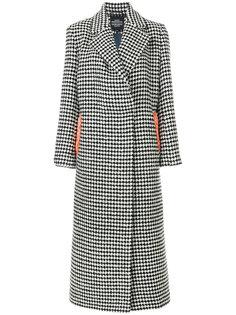 пальто в ломаную клетку с вышивкой Katya Dobryakova