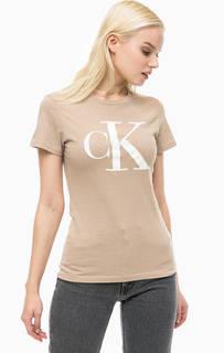 Бежевая футболка с принтом Calvin Klein Jeans