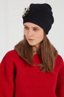 Черная шапка с вышивкой No.21