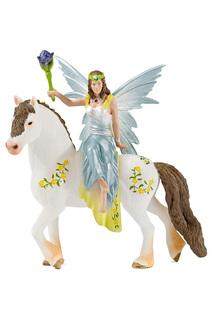 Эйла на лошади Schleich