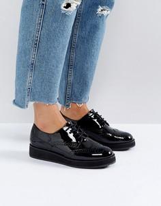 Туфли на плоской платформе со шнуровкой Carvela - Черный