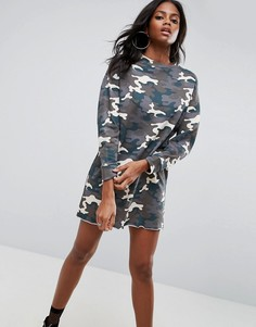 Трикотажное платье с выбеленным камуфляжным принтом ASOS - Мульти