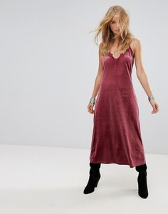 Бархатное платье миди с кружевной вставкой Wyldr Moon Night - Розовый