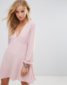 Чайное платье с глубоким V-образным вырезом и завязками на рукавах Wyldr Ophellia - Розовый
